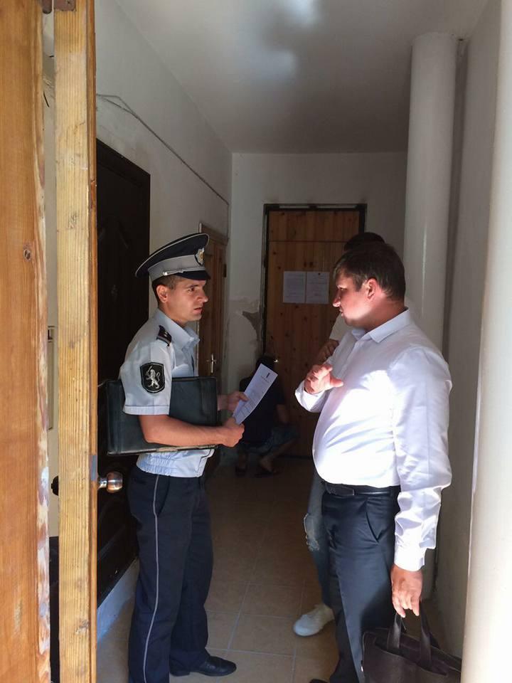 Politia si executorul judecatoresc la sediul Federatiei Moldovenesti de Rugby